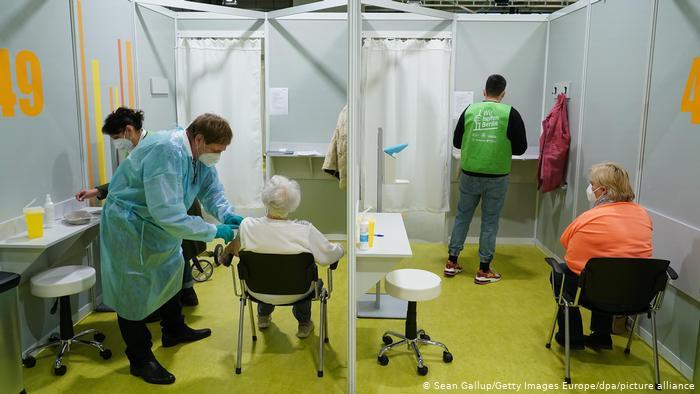 Deutschland   Coronavirus   Berlin öffnet drittes Impfzentrum