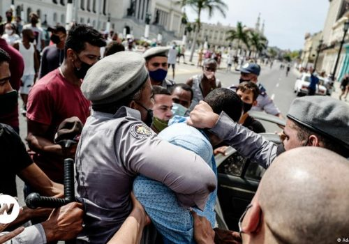 Kuba: Stotinu demonstranata uhapšeno, internet blokiran_60ee4e486c27b.jpeg