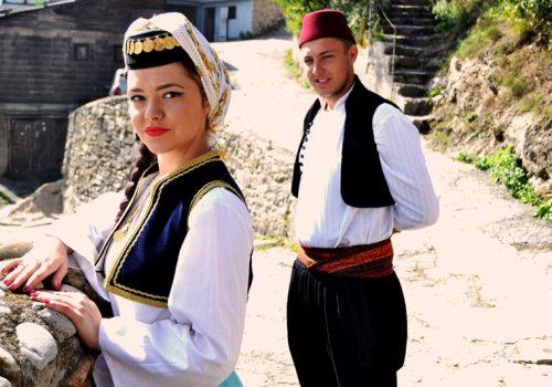 Ilustracija: Tradicija Bosne i Hercegovine (Foto: Amar Dela Delić; Modeli: Amar Šarić, Merisa Mujčinović)