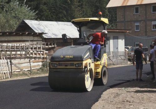 Počelo asfaltiranje značajnog puta u Rožajama_61147963eb62a.jpeg