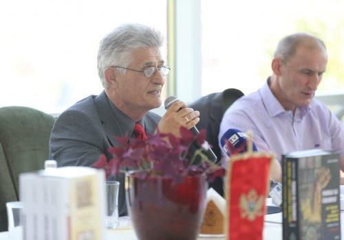 U Plavu održana promocija knjiga akademika Šerba Rastodera i Fehima Džogovića_60e654b168050.jpeg