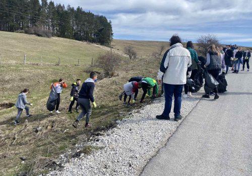 """Učenici OŠ """"Bratstvo Jedinstvo"""" Duga Poljana organizirali akciju čišćenja_6082cac3a8342.jpeg"""