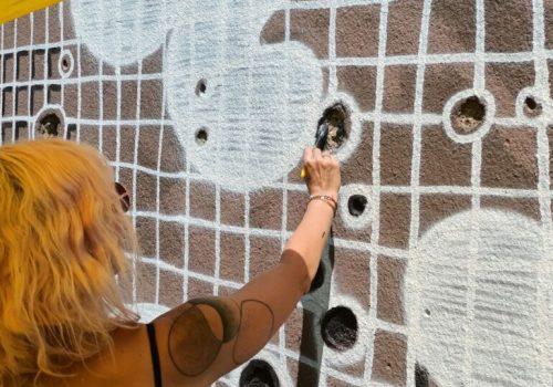 Umjetnica NeSpoon u muralu naslikanom u Mostaru sačuvala sjećanje na sve žene stradale u ratu_6108b0e0e97ab.jpeg